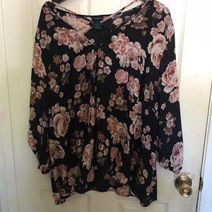 Flattering flowery blouse!
